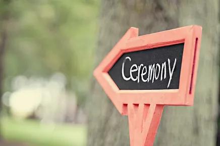 Arrow pointing to ceremony